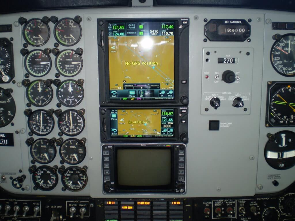 Install a Garmin GTN750, GTN650, GMA35 Audio panel and two GTX33 Mode S Transponders into a Beechcraft Kingair B200.